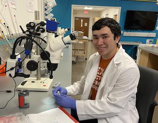 Nicholas Riveira, Undergraduate Researcher